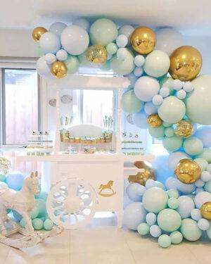 Ballonnenboog licht blauw - licht groen - goud